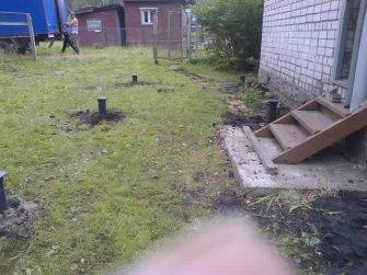 Фундамент под пристройку на винтовых сваях к кирпичному дому