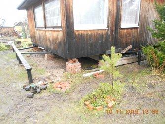 Подъем дома на винтовые сваи и укрепление фундамента швеллером - фото 3