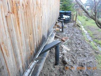 Подъем дома на винтовые сваи и укрепление фундамента швеллером - фото 4